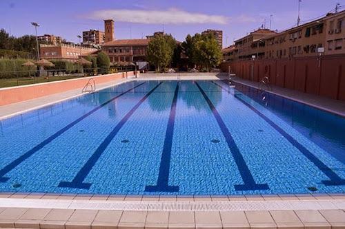 Nadadores vs triatletas - Piscina san vicente ...