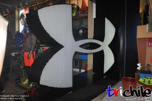 6b942c26ce1b4 Una de las marcas deportivas más importante de Estados Unidos aterriza en  Chile en el principal centro comercial de Santiago. Under Armour llega con  una ...